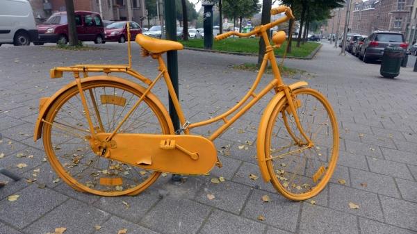 Bicicleta galbena
